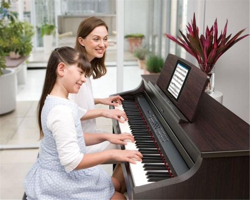 tre em hoc dan piano dien
