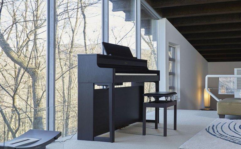 dan piano roland hp700
